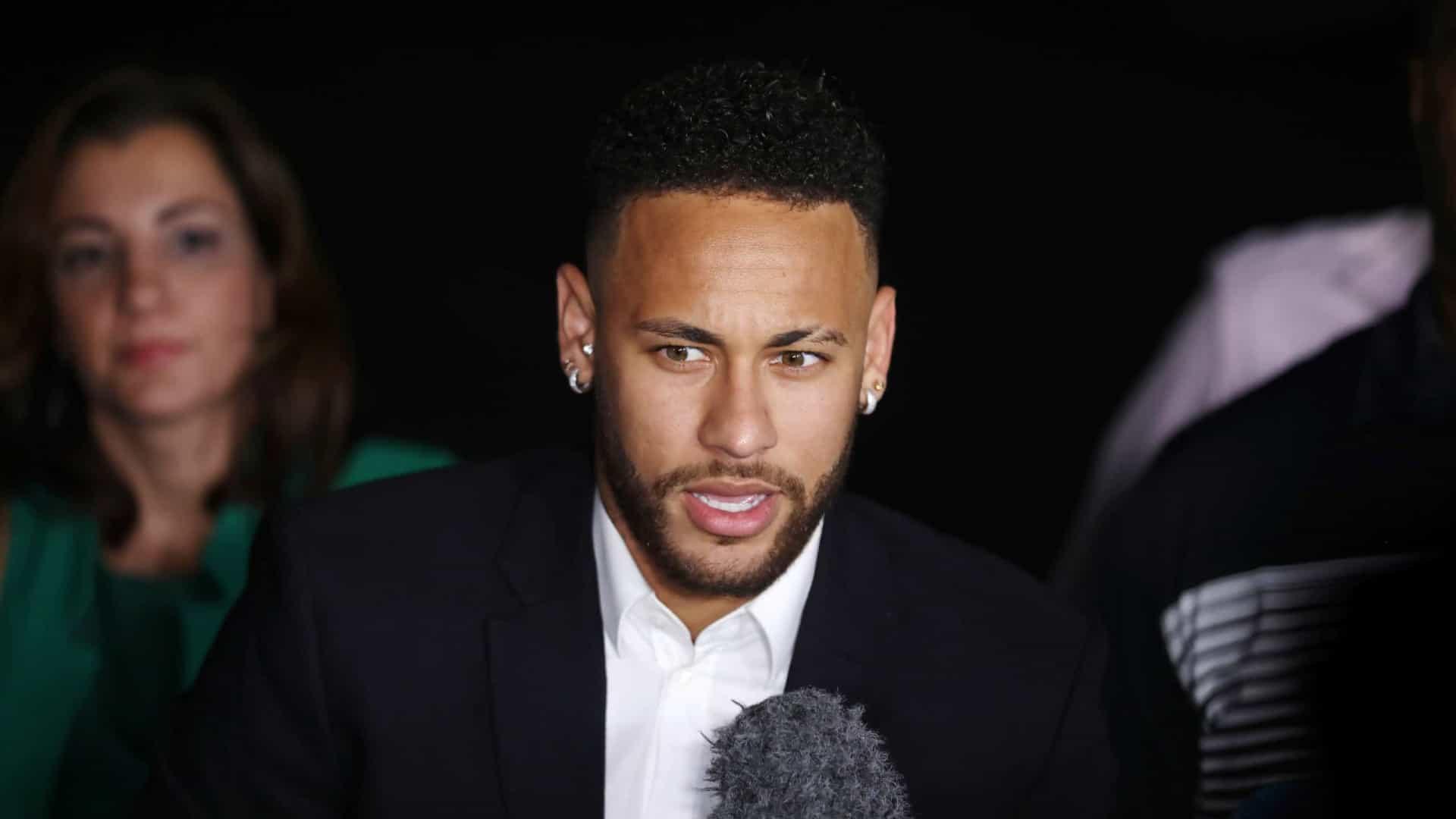 Polícia ouve depoimento final no inquérito de acusação contra Neymar