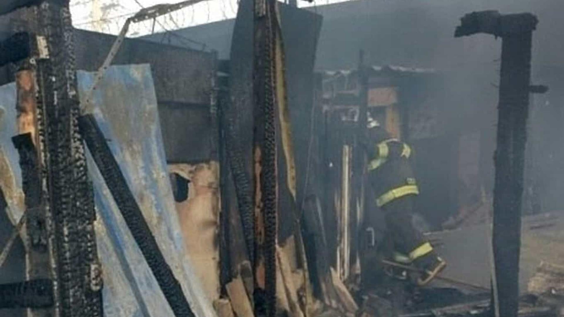 SP: incêndio atinge a ponte do Jaguaré na Marginal do Pinheiros