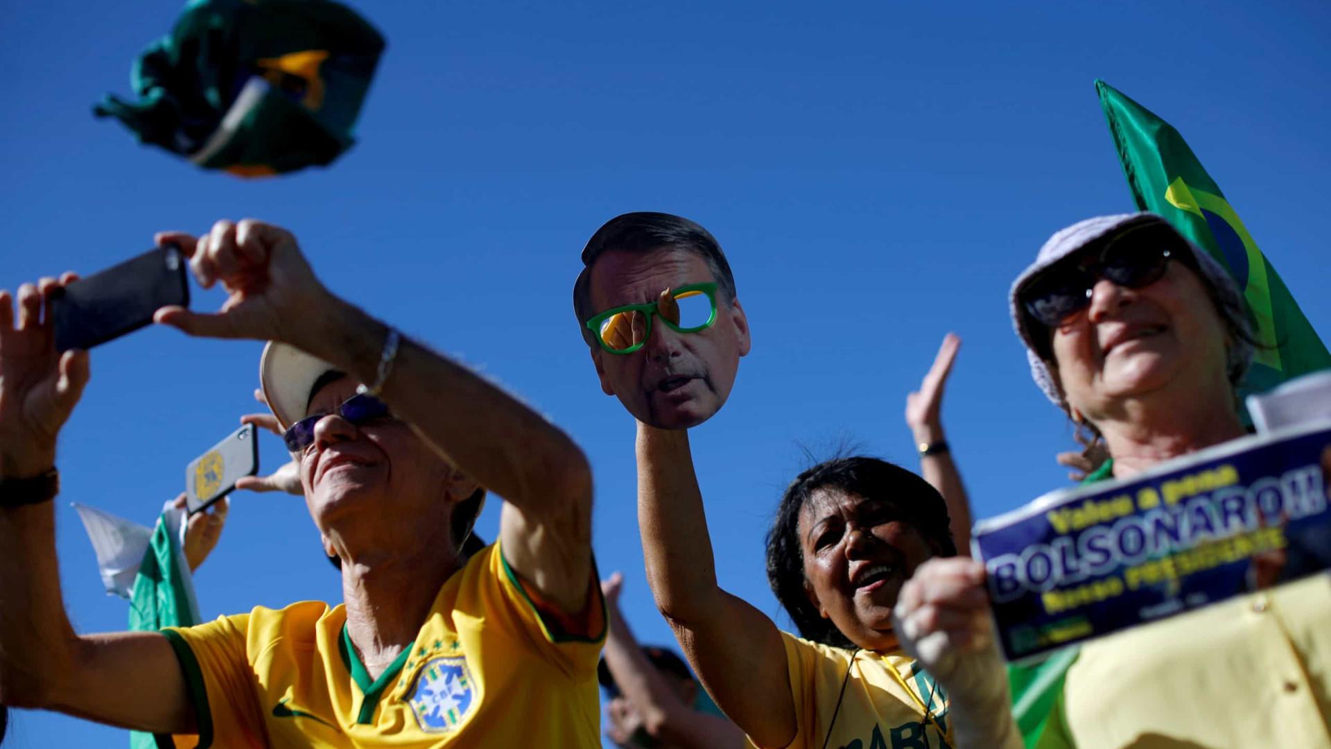 Manifestação em apoio a Moro leva milhares de pessoas a Copacabana