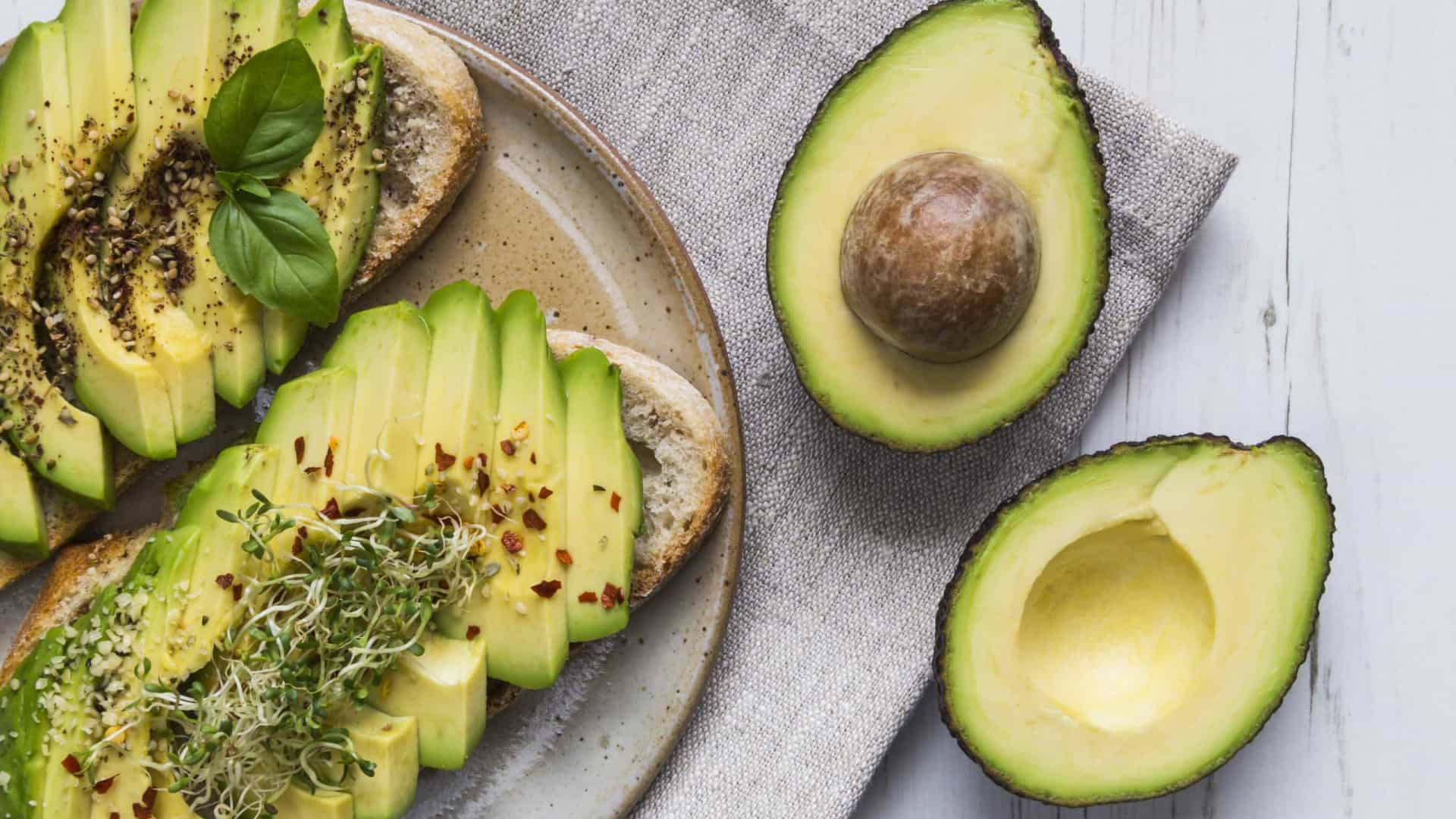 Estudo confirma: Comer um abacate por dia reduz o colesterol