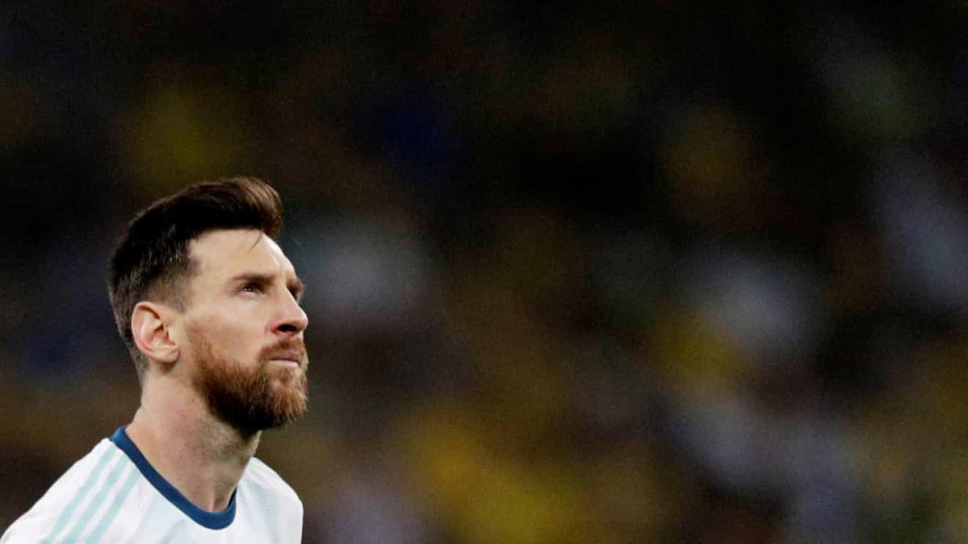 Messi deixa Copa América com 3º lugar e 2ª expulsão da carreira