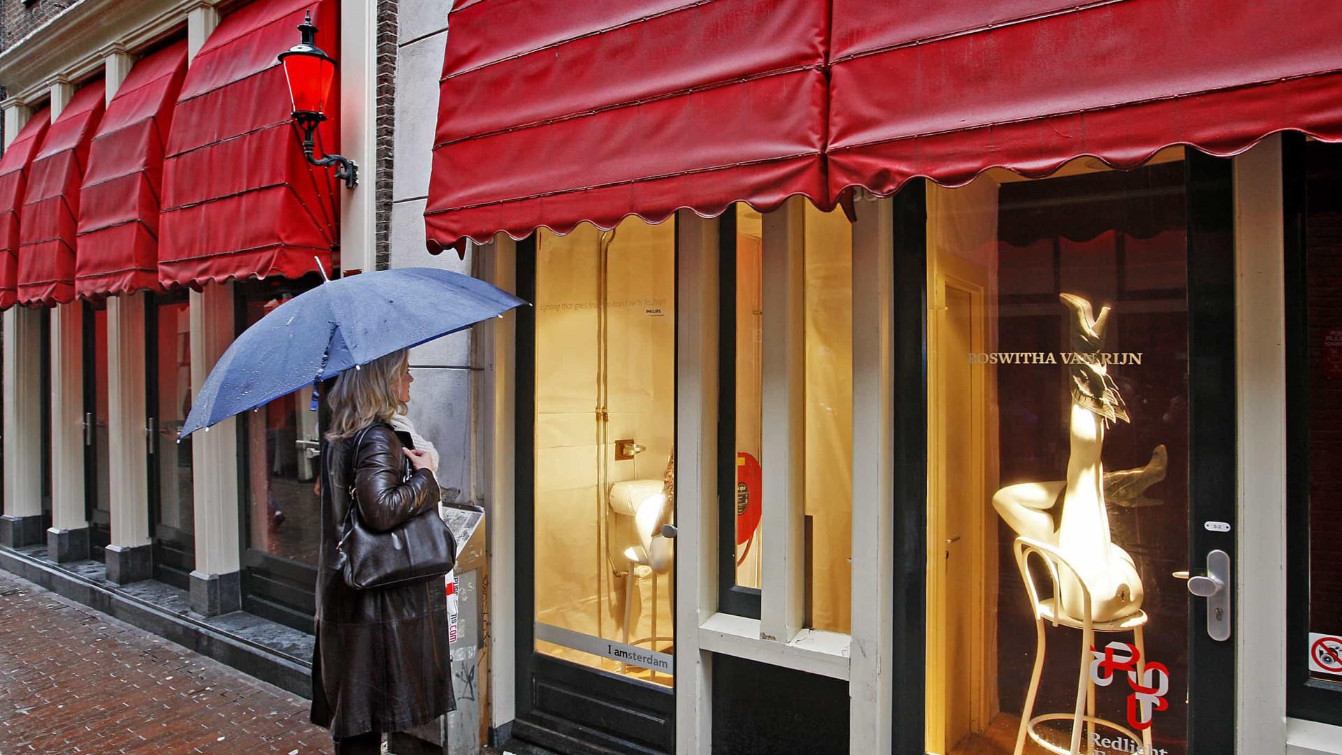 Prefeita de Amsterdã planeja reformular distrito da luz vermelha