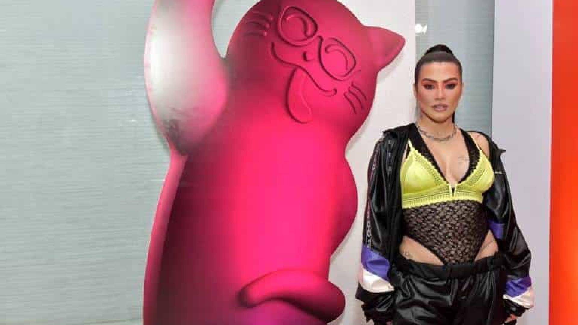 Cleo Pires rebate críticas por figurino e corpo e faz desabafo