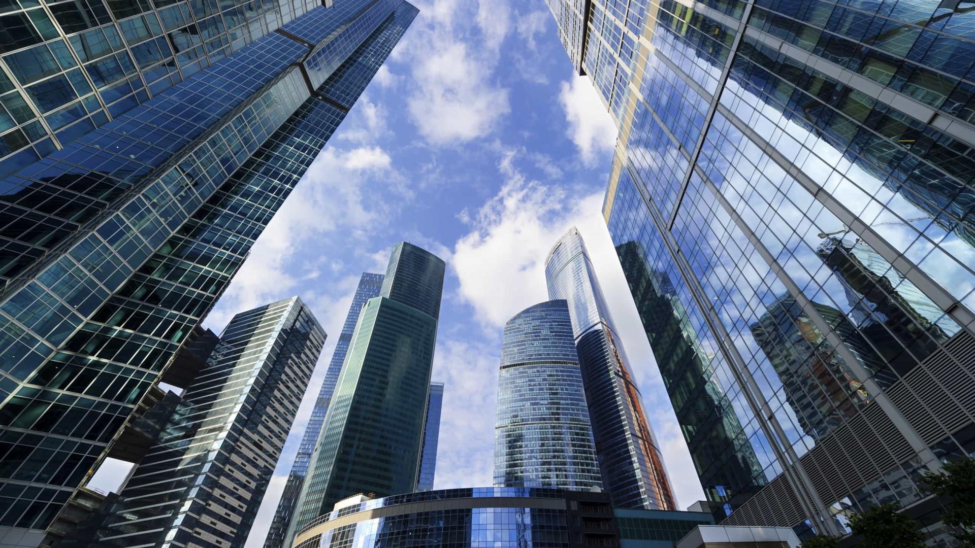 Edifícios com fachadas de vidro geram alto impacto ambiental