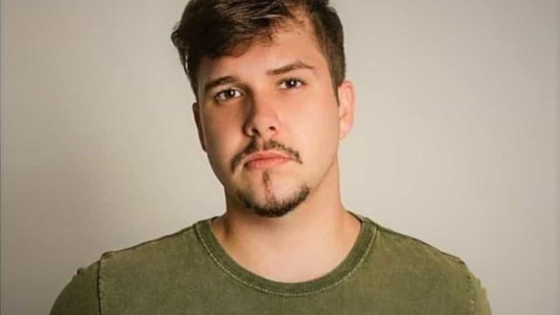 Cantor sertanejo de 22 anos morre em acidente de trânsito