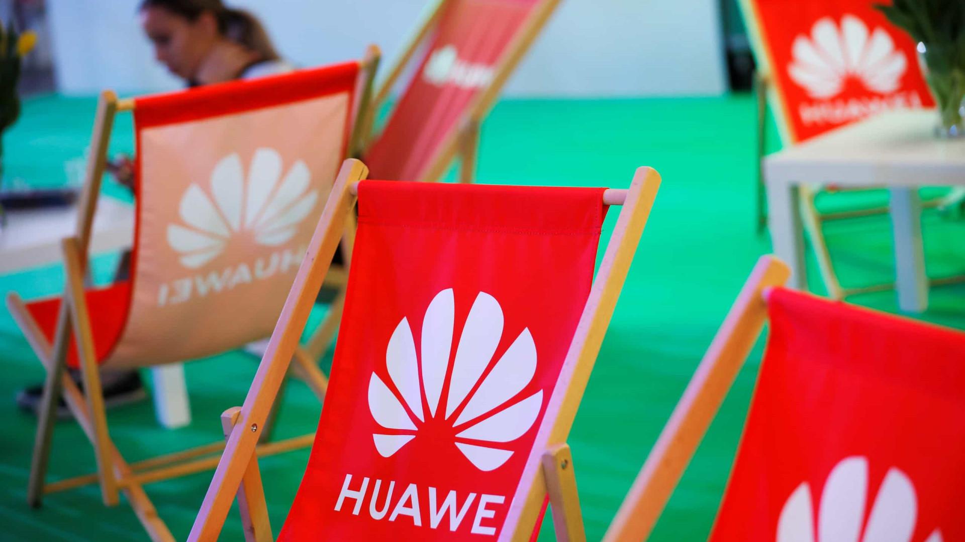 EUA aumenta restrições à empresa Huawei