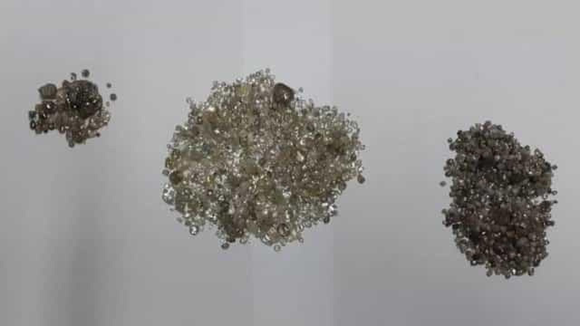 Mulher é presa com 2 mil pedras preciosas escondidas na calcinha