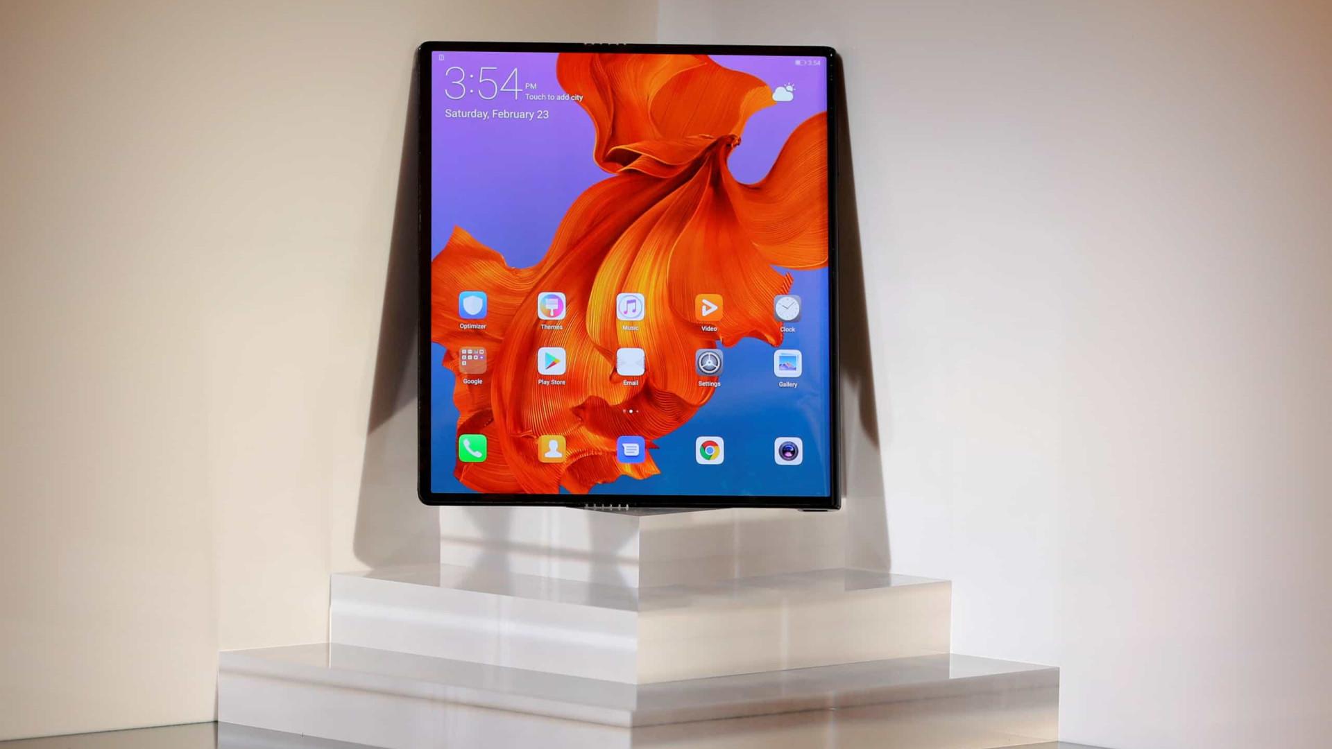 Smartphone dobrável da Huawei chega em outubro?