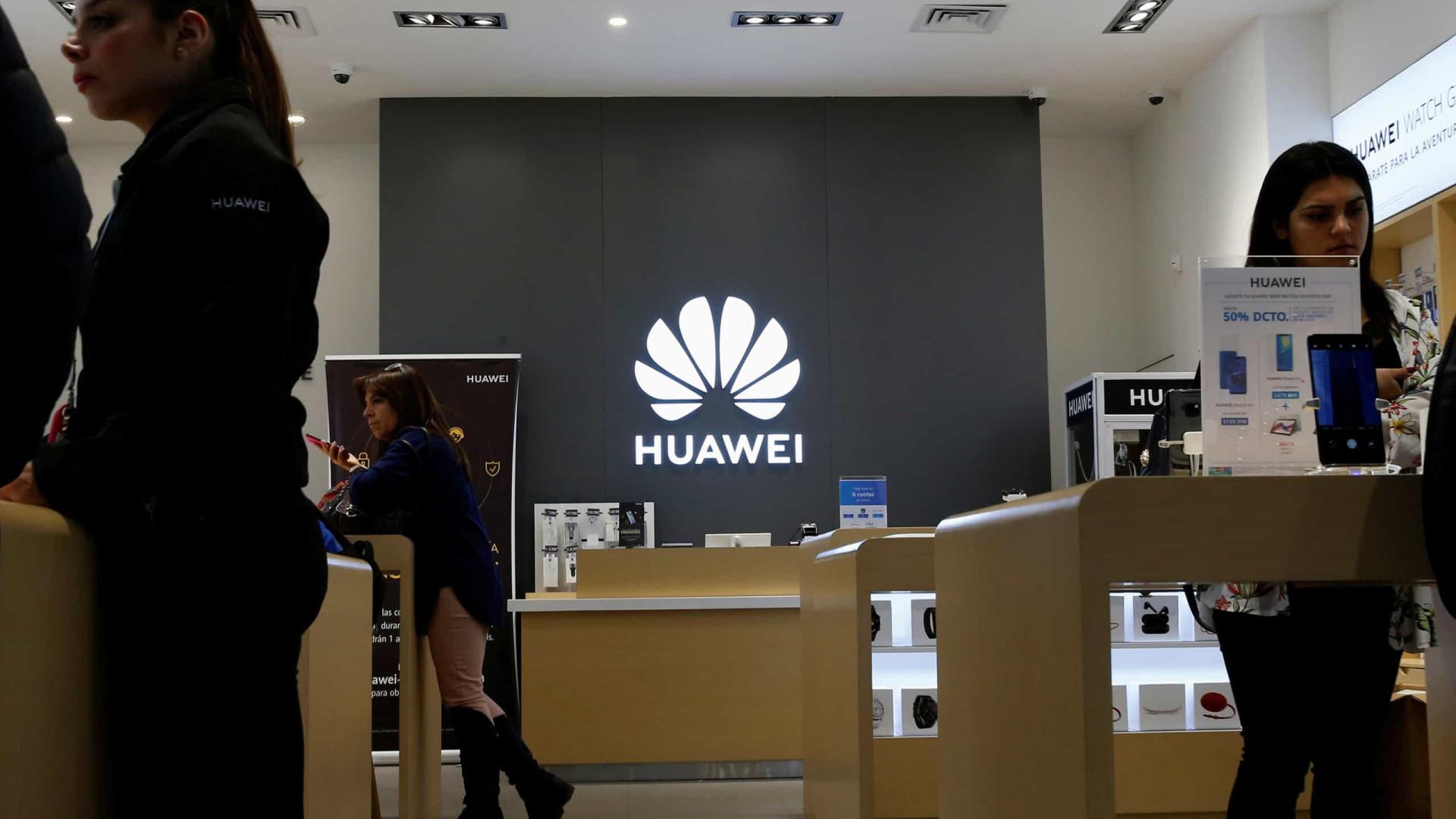 """Huawei poderá voltar a negociar com empresas dos EUA """"muito em breve"""""""