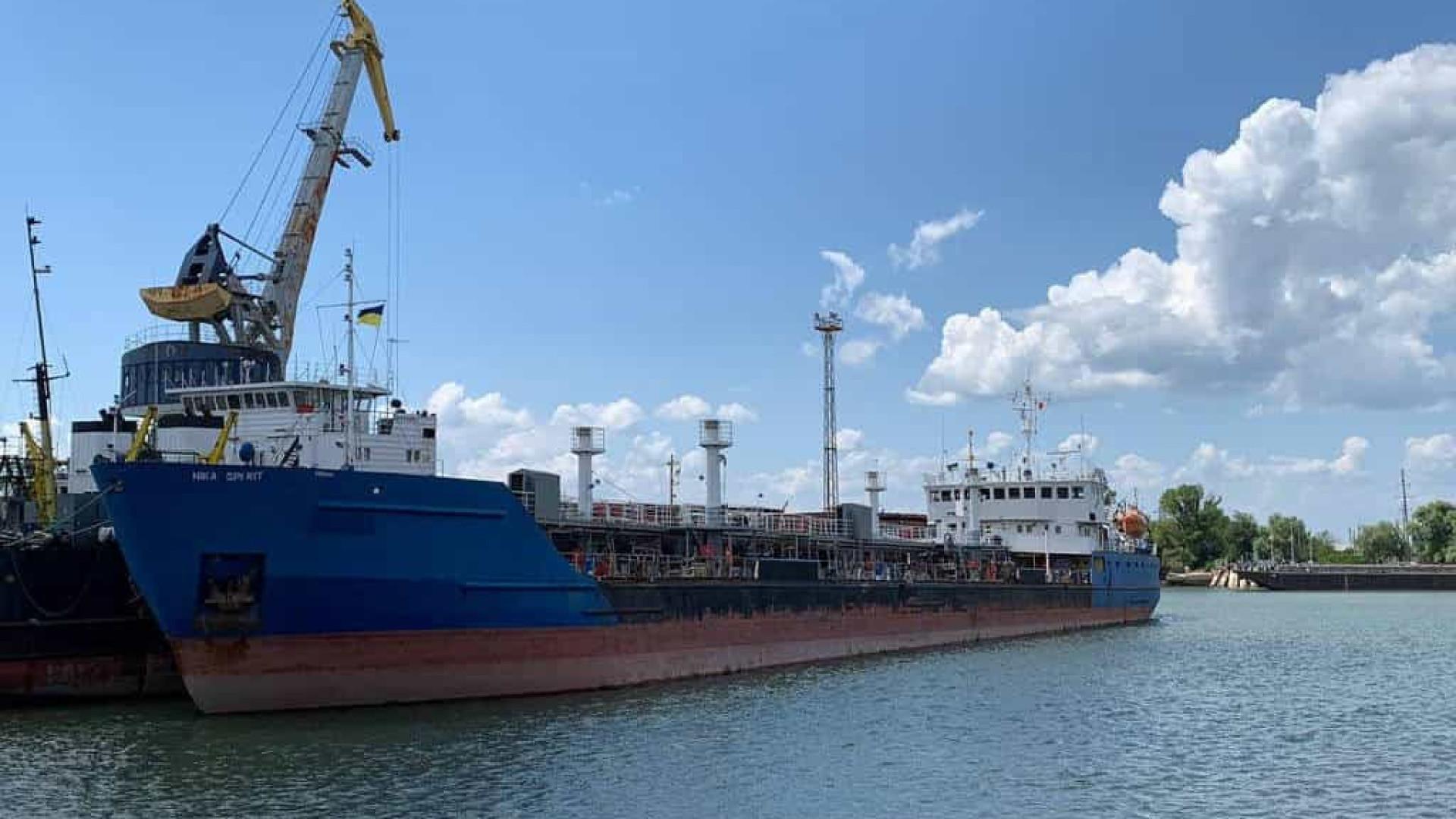 Ucrânia detém navio russo em retaliação por prisão de marinheiros