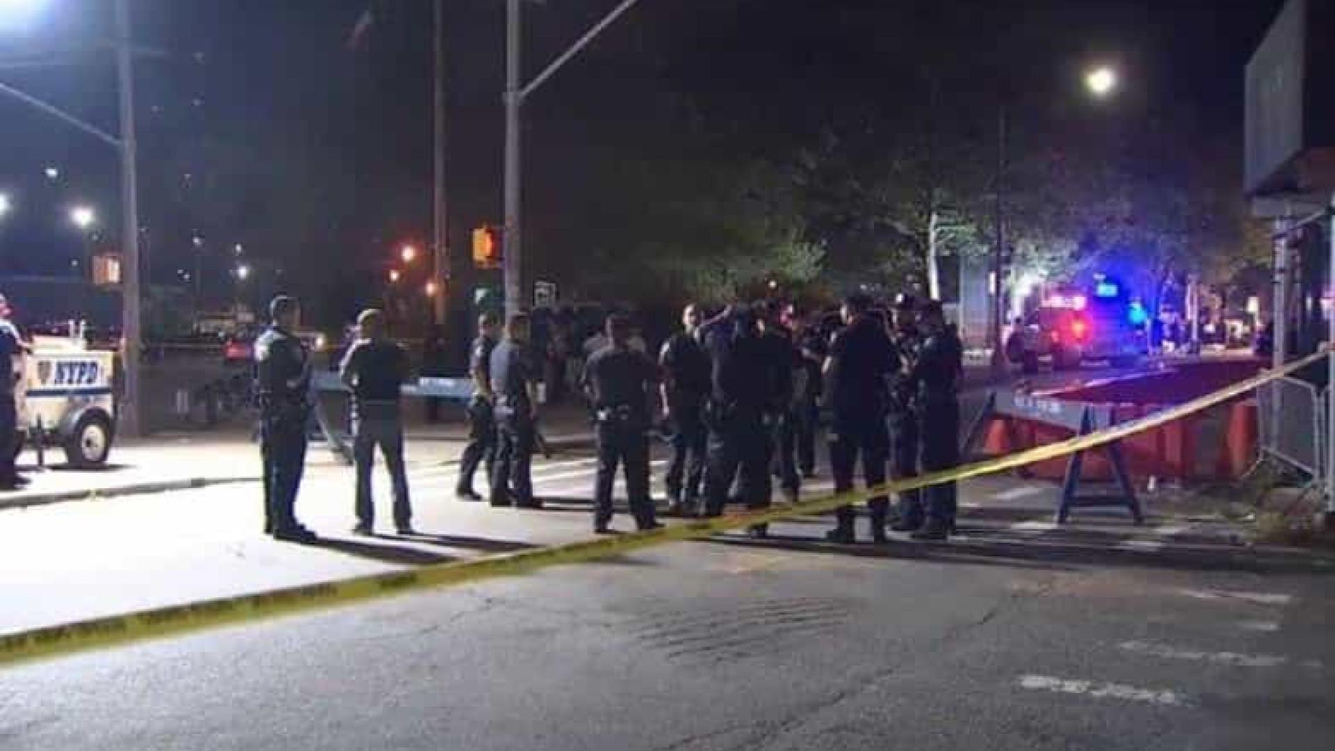 Tiroteio em massa em Nova Iorque faz um morto e 11 feridos