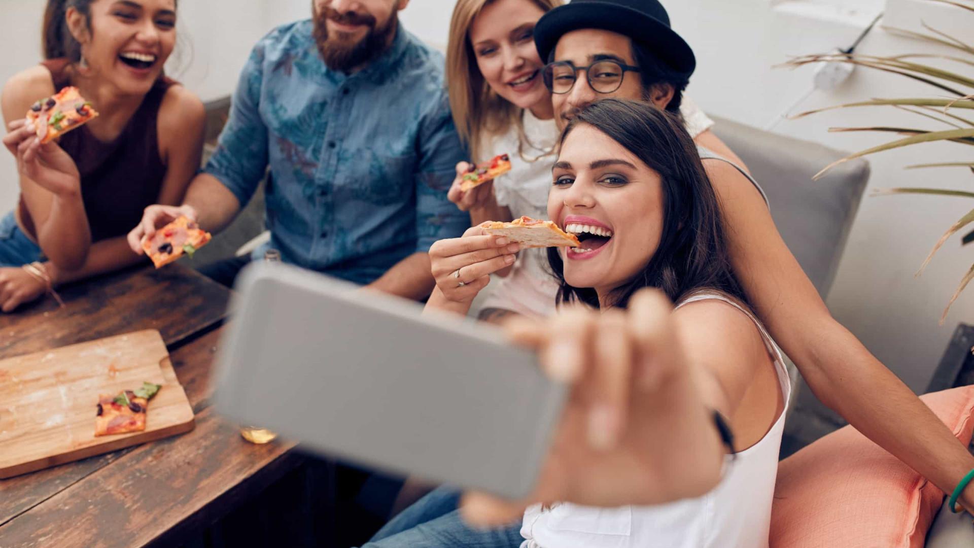 Entenda como o uso de smartphones pode contribuir para o ganho de peso