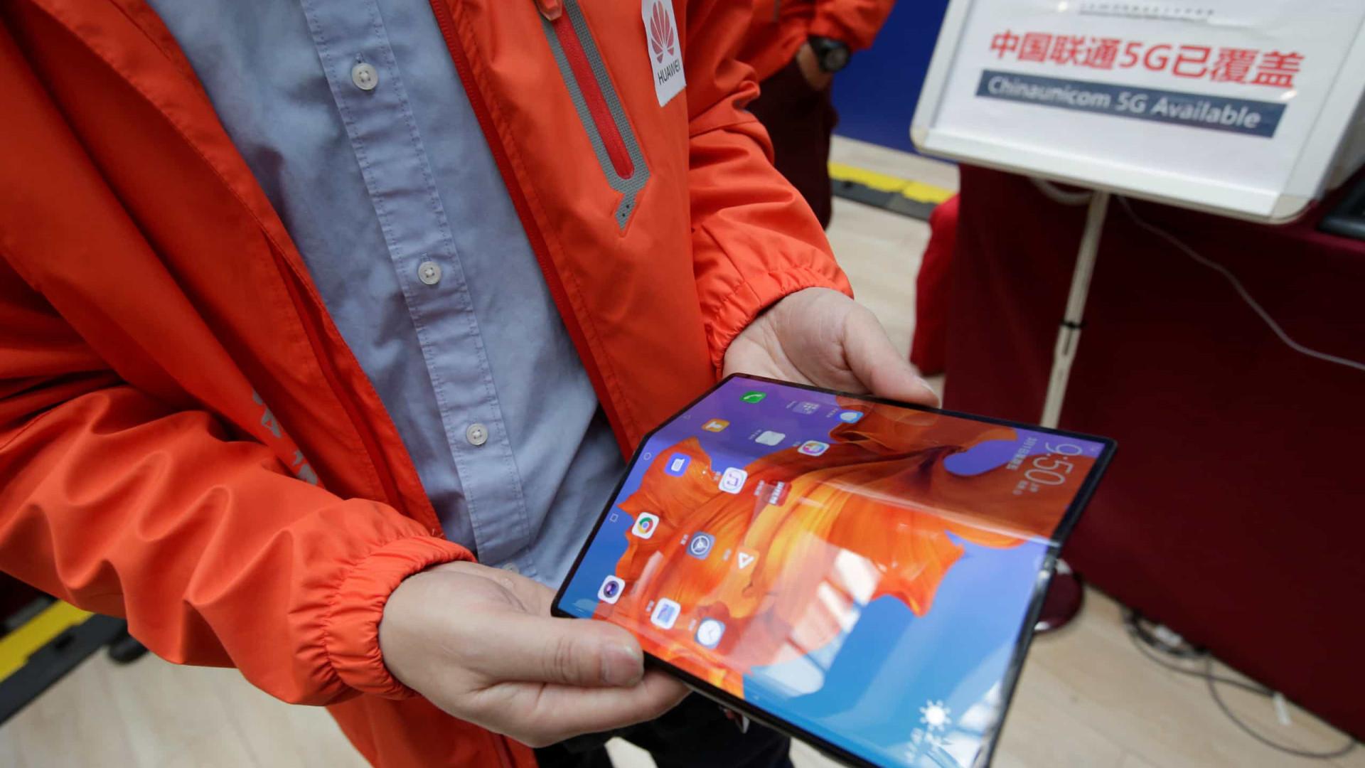 Huawei confirma lançamento do Mate X para novembro