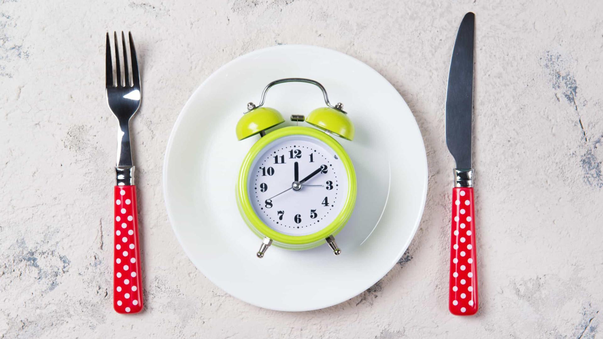 Jejum em dias alternados faz perder 3,5 quilos em um mês