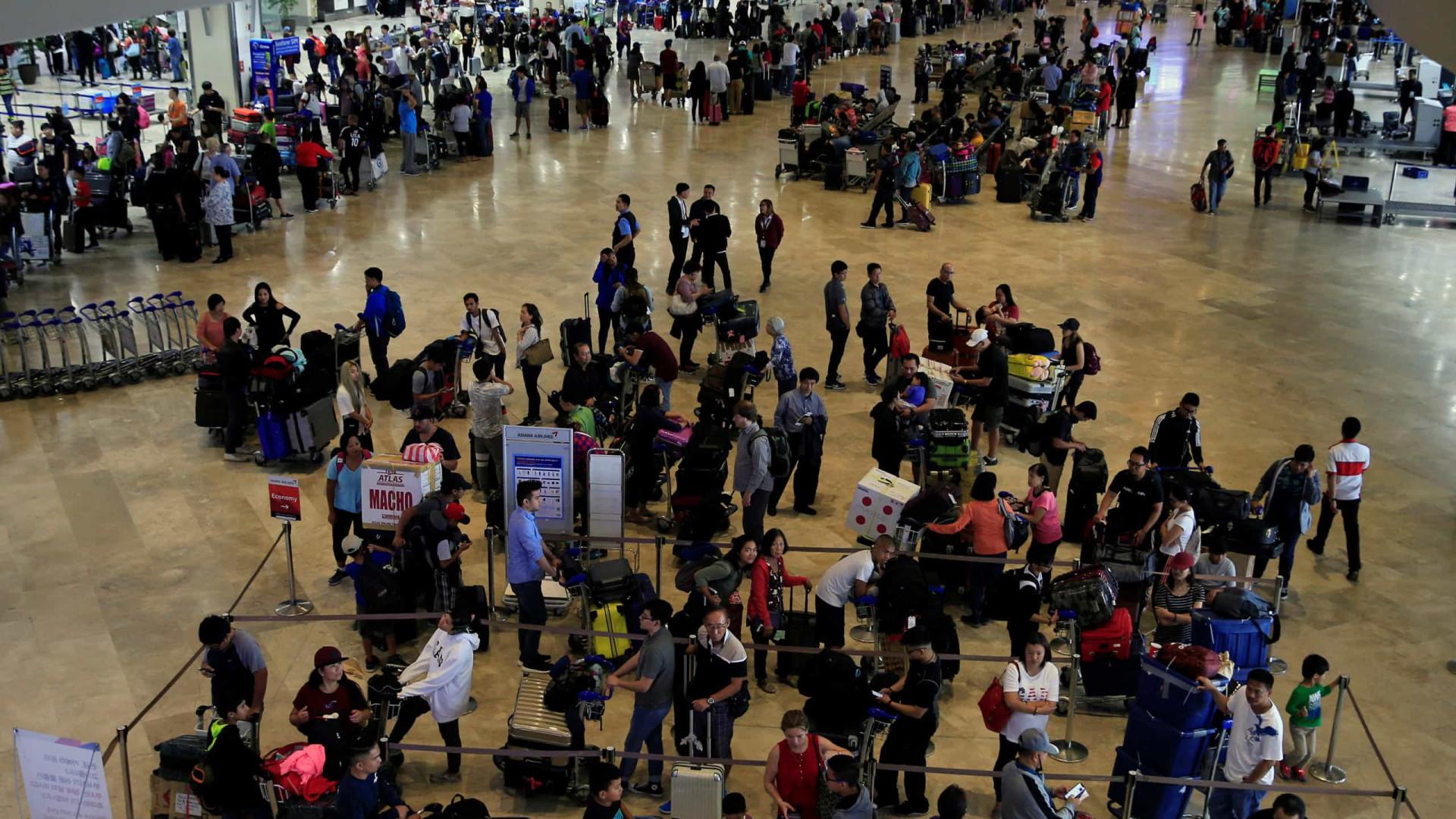 Aeroporto das Filipinas suspende na terça-feira tráfego devido a tufão