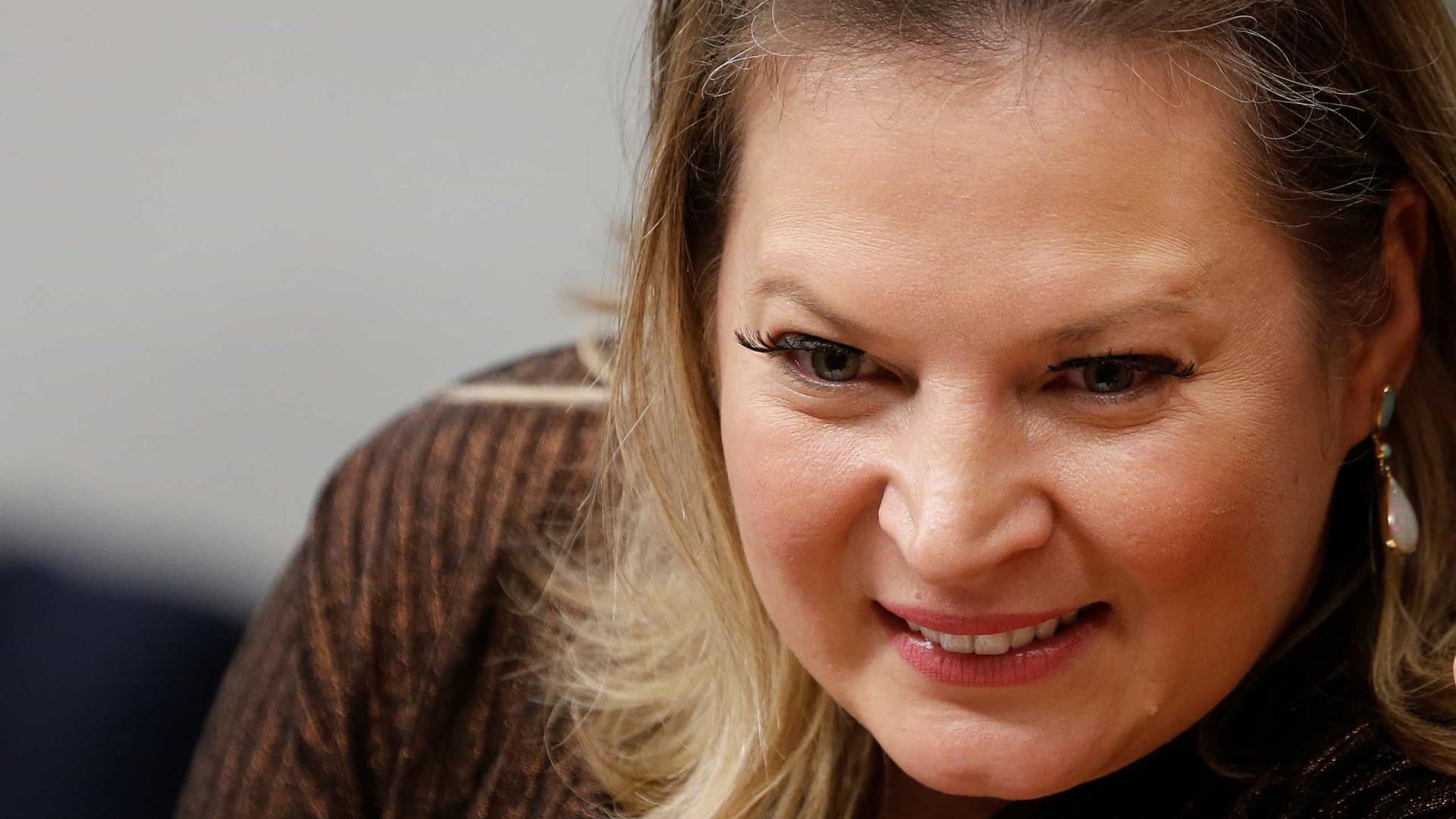 Joice diz que assinaturas para partido de Bolsonaro serão checadas