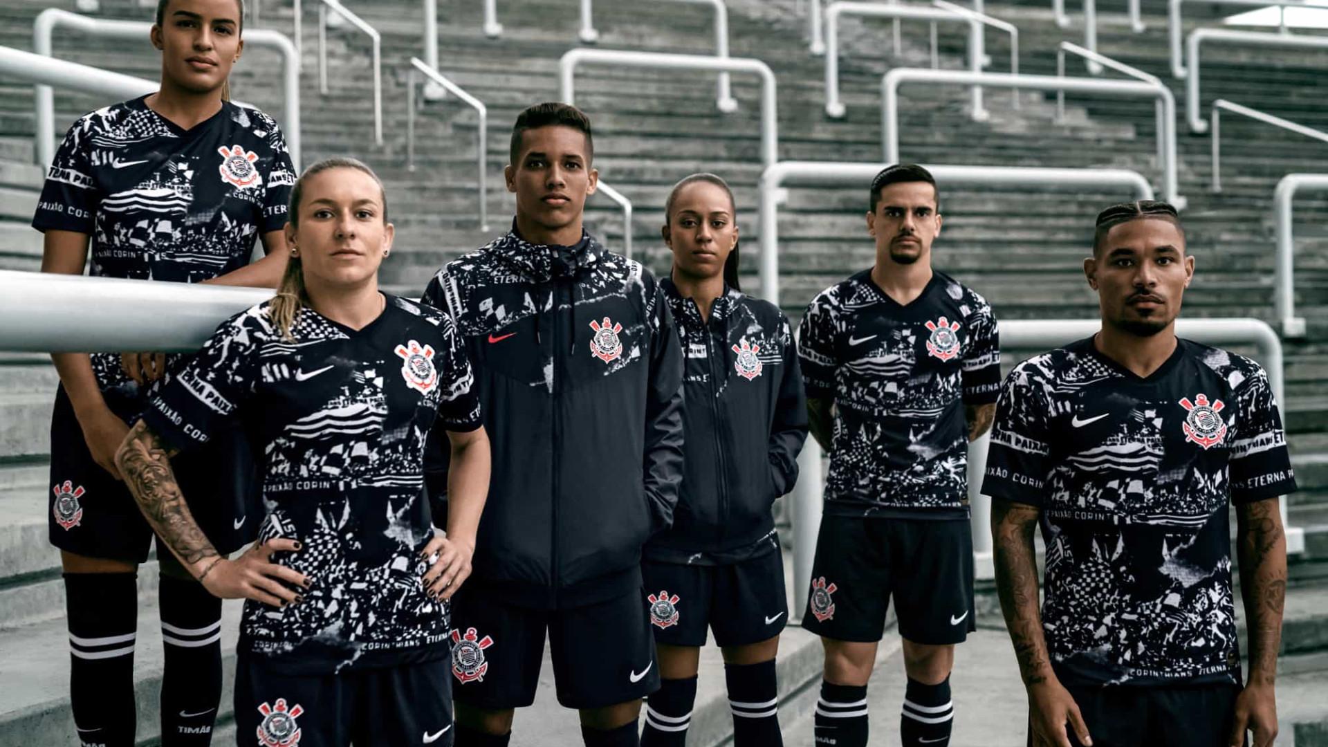 Novo uniforme do Corinthians homenageia invasões históricas da torcida
