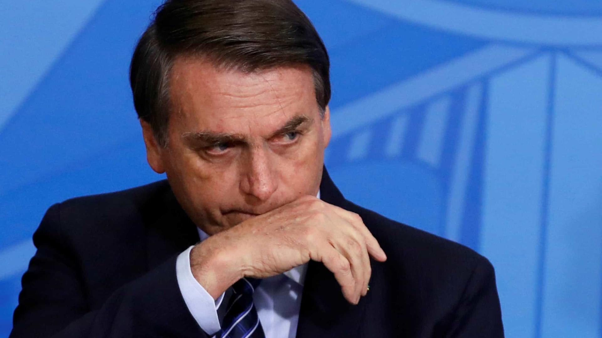 Bolsonaro chora ao lembrar atentado
