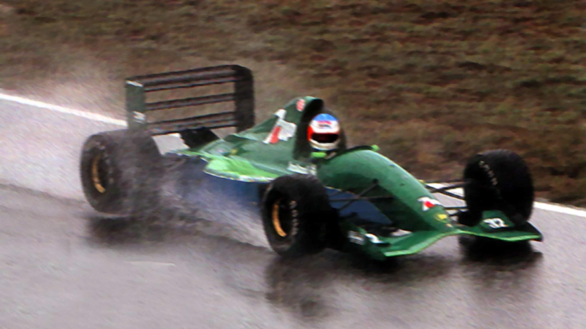 'Fórmula 1 precisa de carros para correr na chuva no futuro', afirma Jean Todt