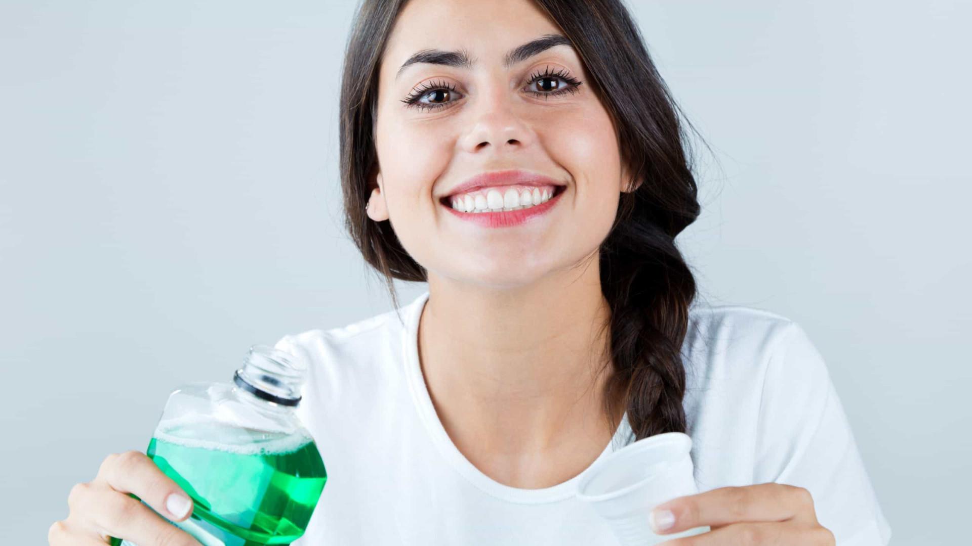 Entenda por que não usar enxaguante bucal após exercício físico