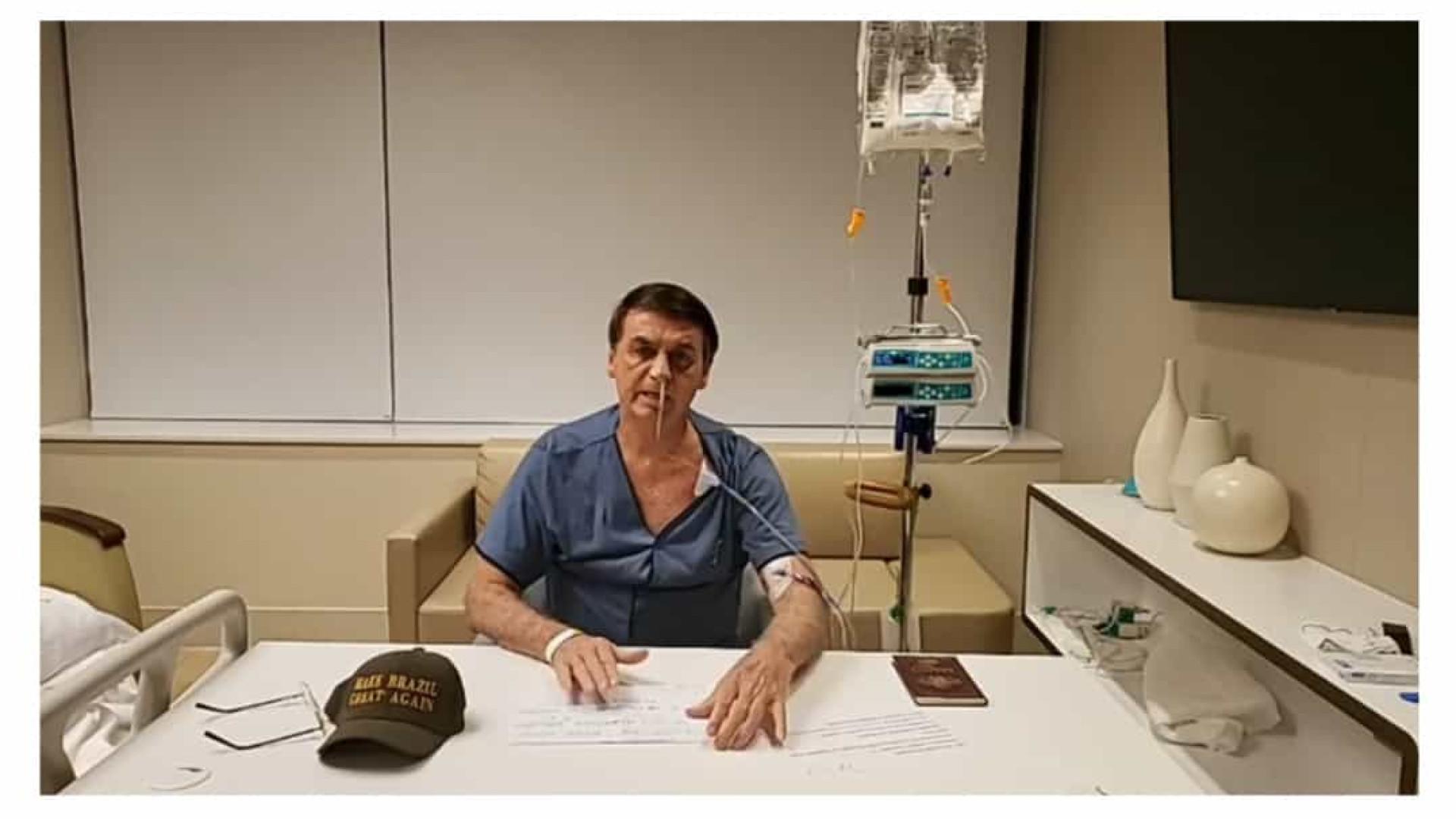 Bolsonaro faz live do hospital