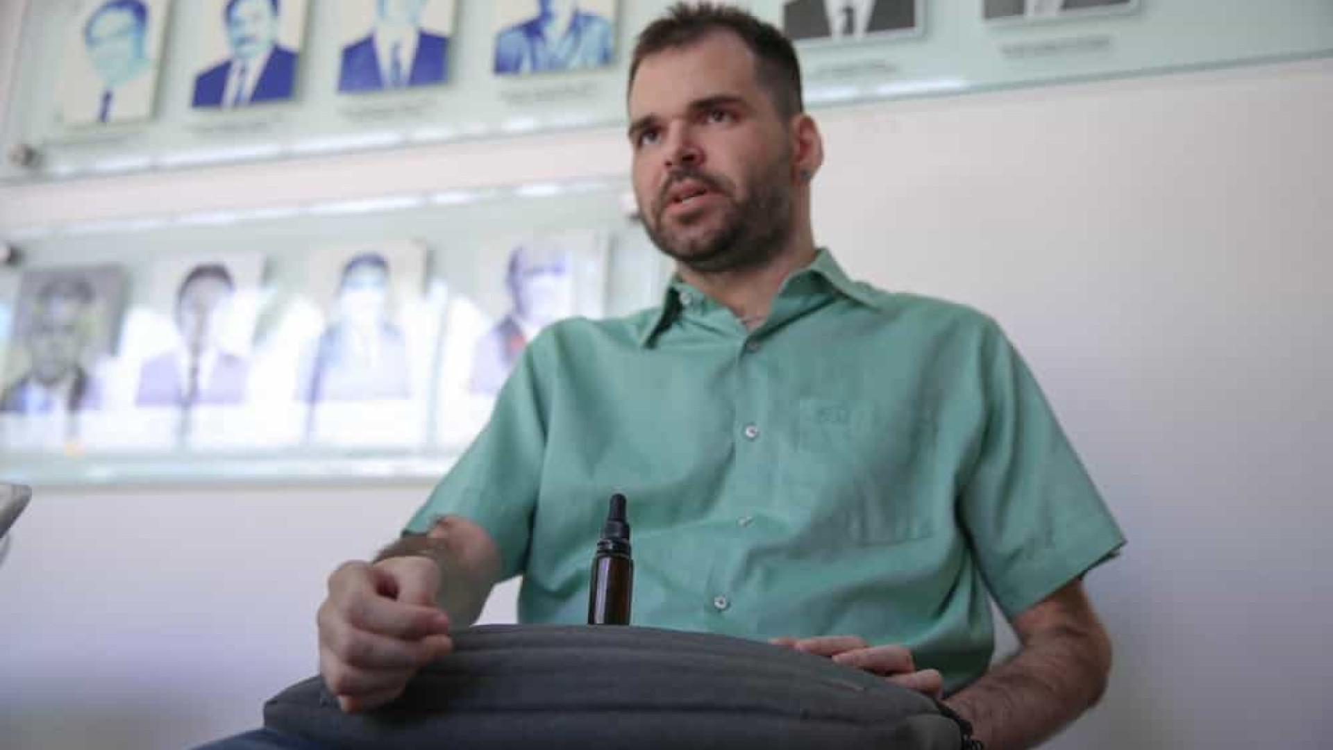 Brasileiro autorizado a cultivar cannabis acredita em uso medicinal