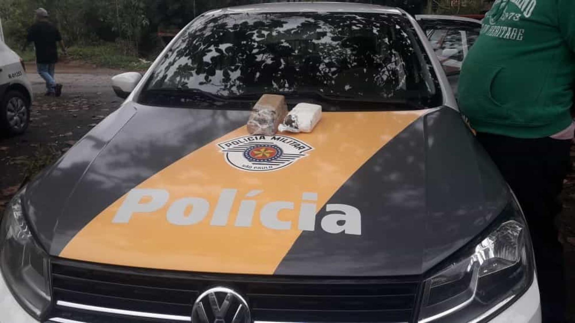 Motorista é preso por tráfico de drogas ao ser abordado em blitz