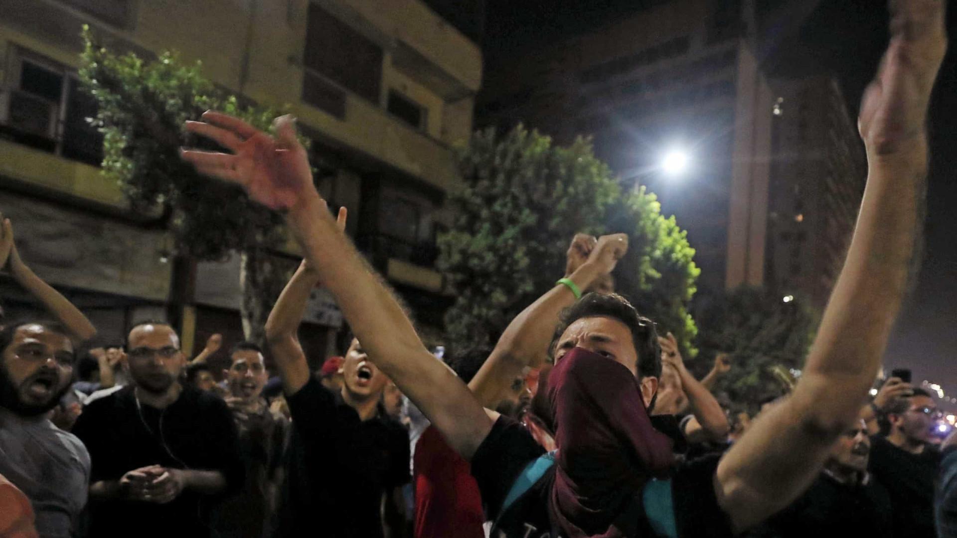 Mais de 250 pessoas continuam detidas por protestos no Egito