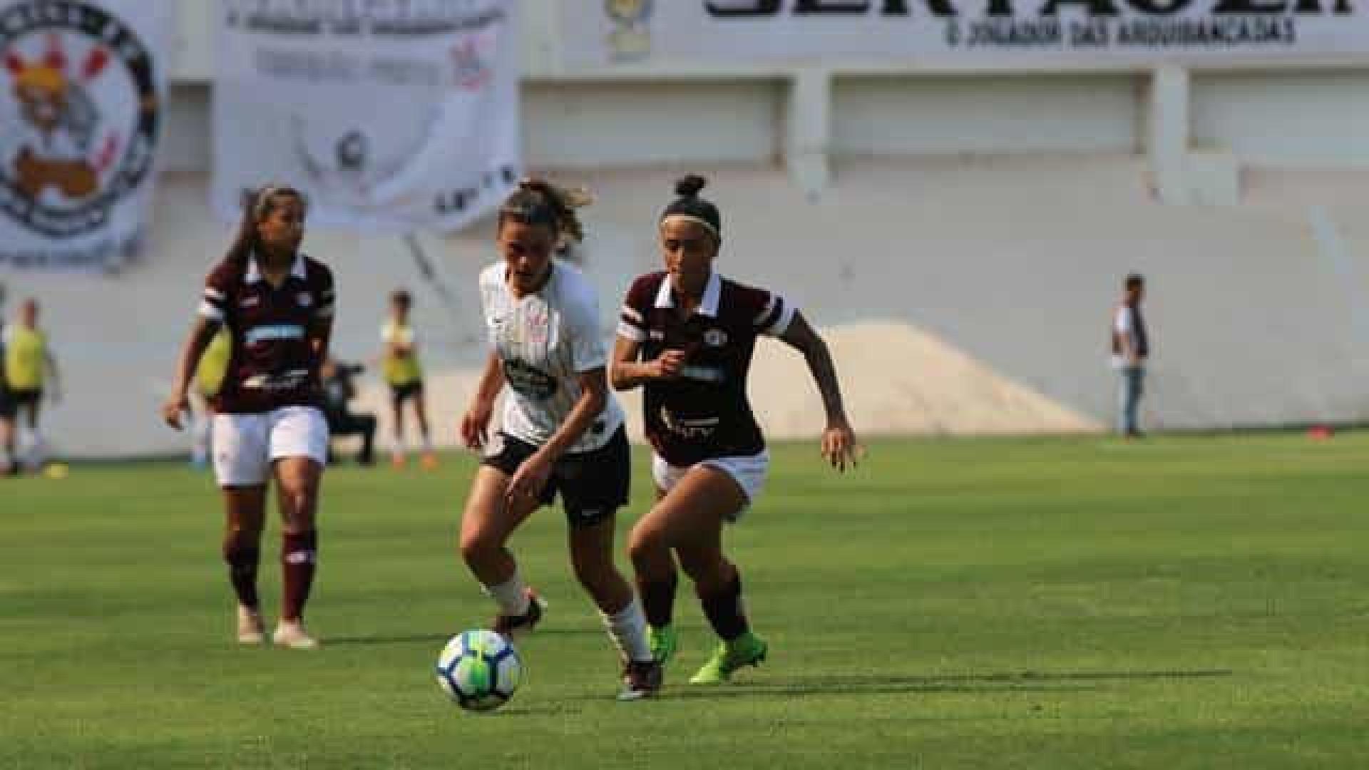 Corinthians bate Palmeiras em clássico no Brasileiro Feminino