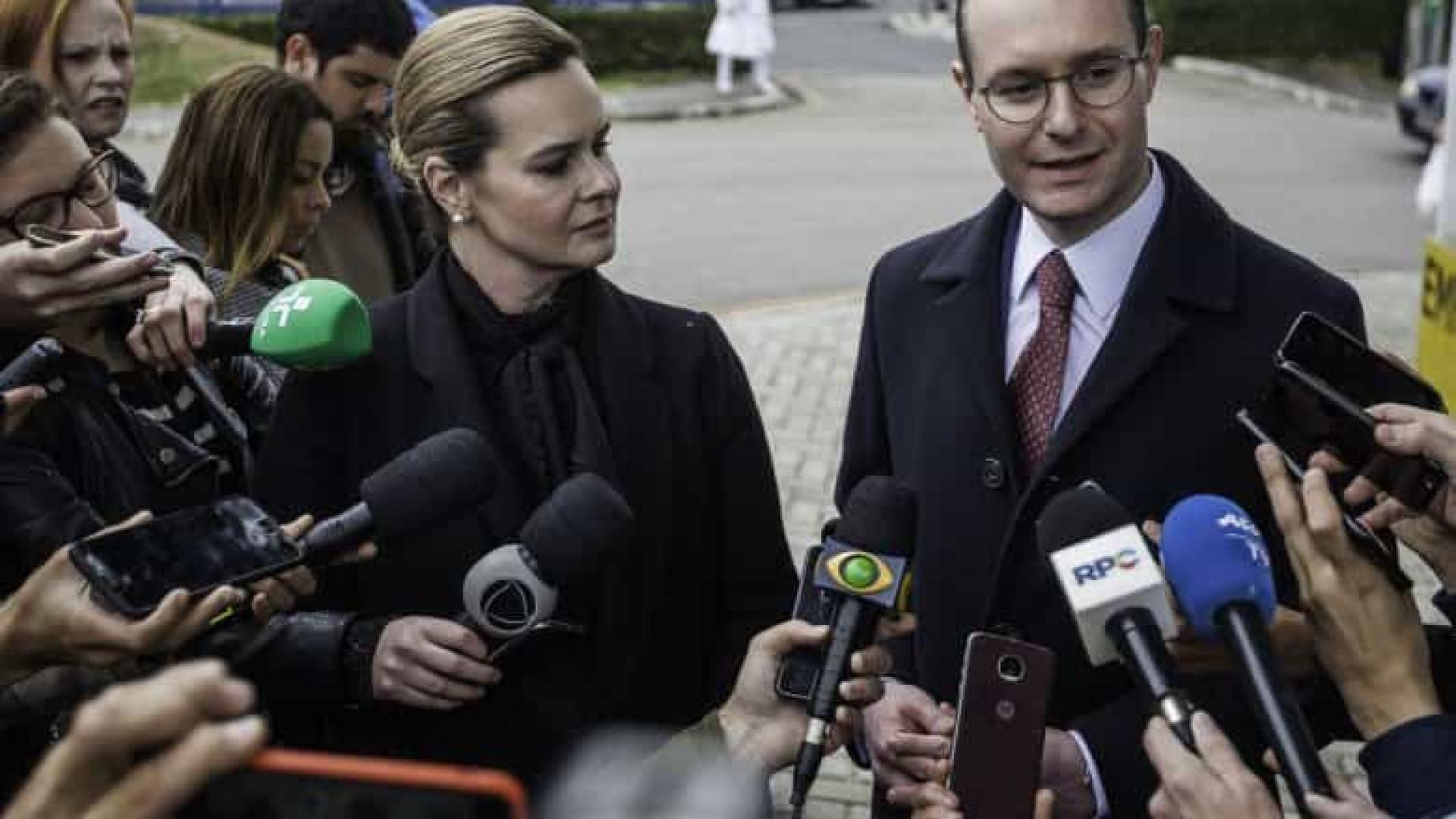 Advogados de Lula acusam Bolsonaro de desrespeito à Constituição