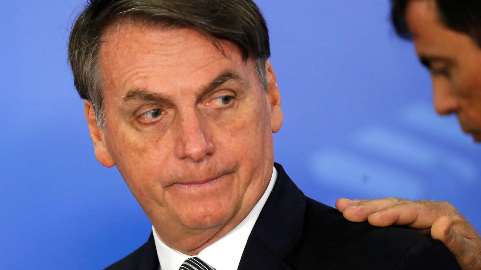 Bolsonaro vê situação difícil e discute futuro de chefe da Secom