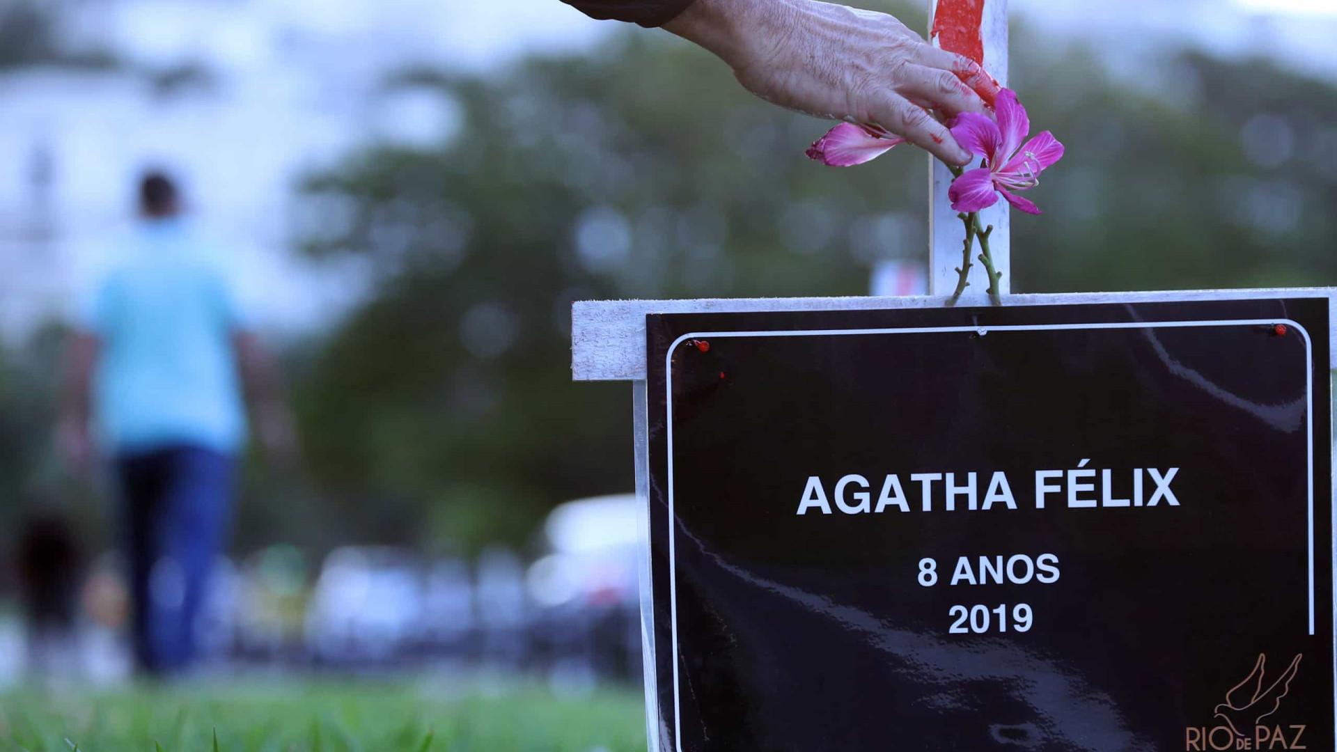 Witzel manda apurar se PMs tentaram pegar bala que matou Ágatha