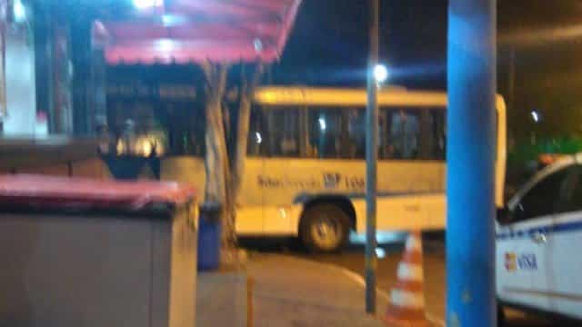 Criminosos obrigam motorista levar corpos para hospital no Rio