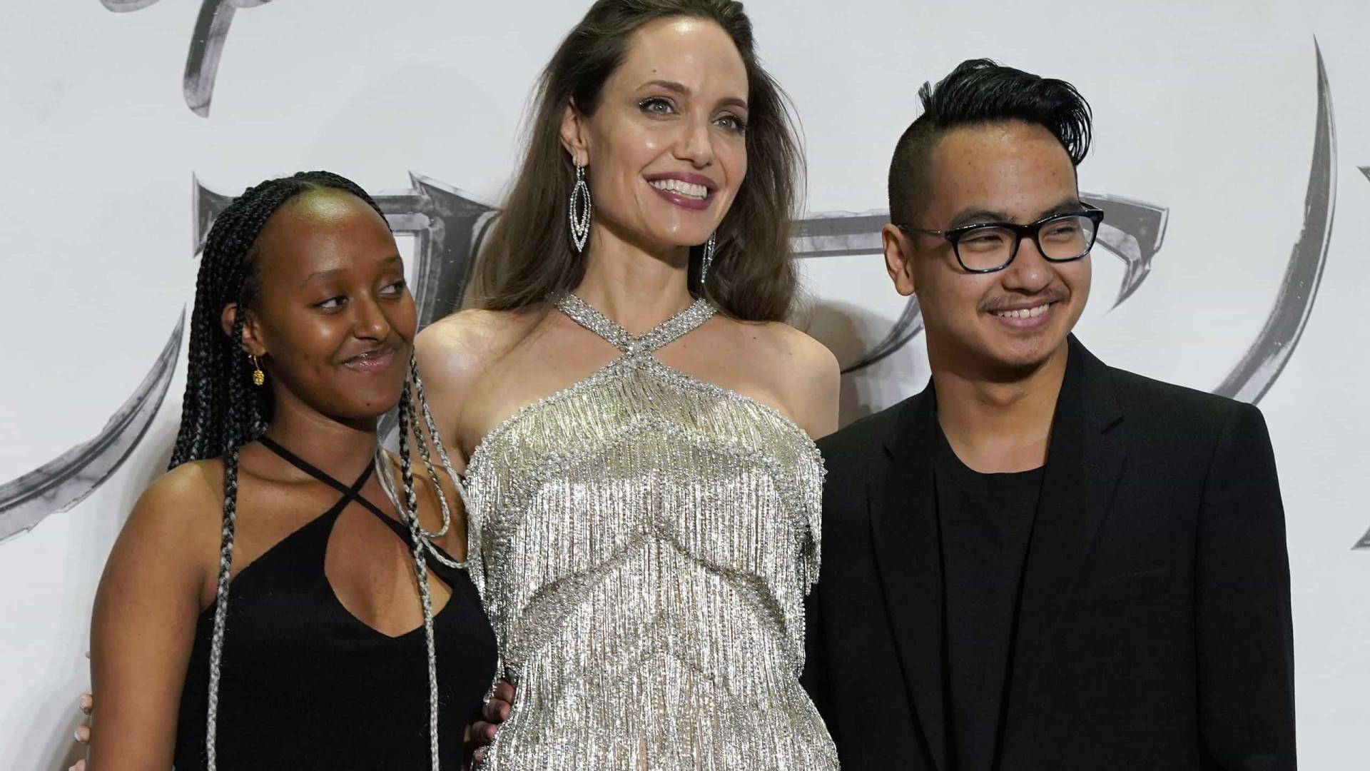 Aos 14 anos, filha de Angelina Jolie e Brad Pitt lança linha de jóias