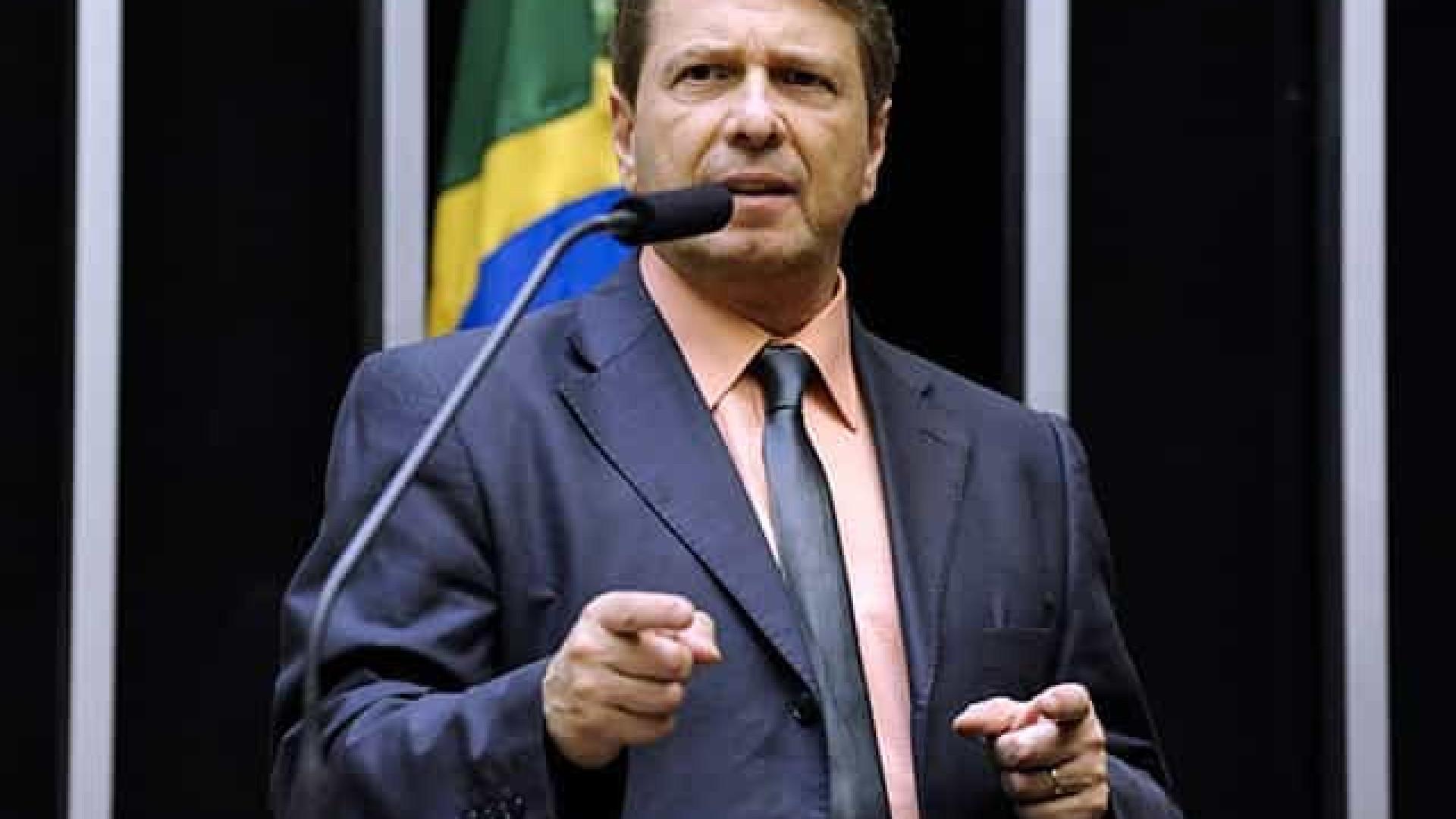Deputado diz que Bolsonaro foi imparcial na discussão sobre liderança