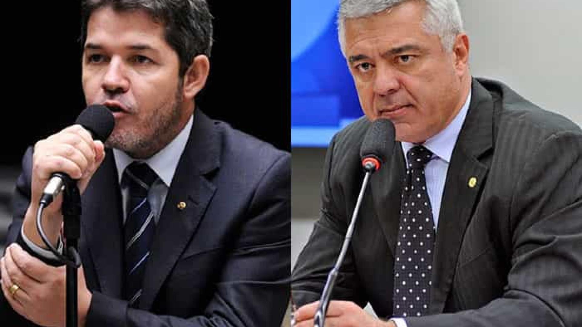 PSL amplia poder de Bivar e suspende deputados bolsonaristas