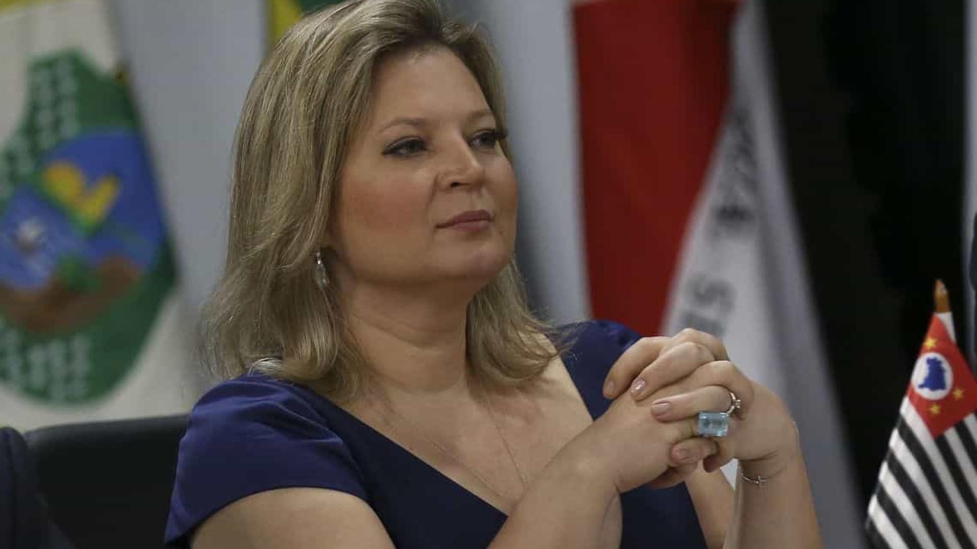 Joice pede que PGR denuncie Eduardo Bolsonaro por fala sobre 'AI-5'