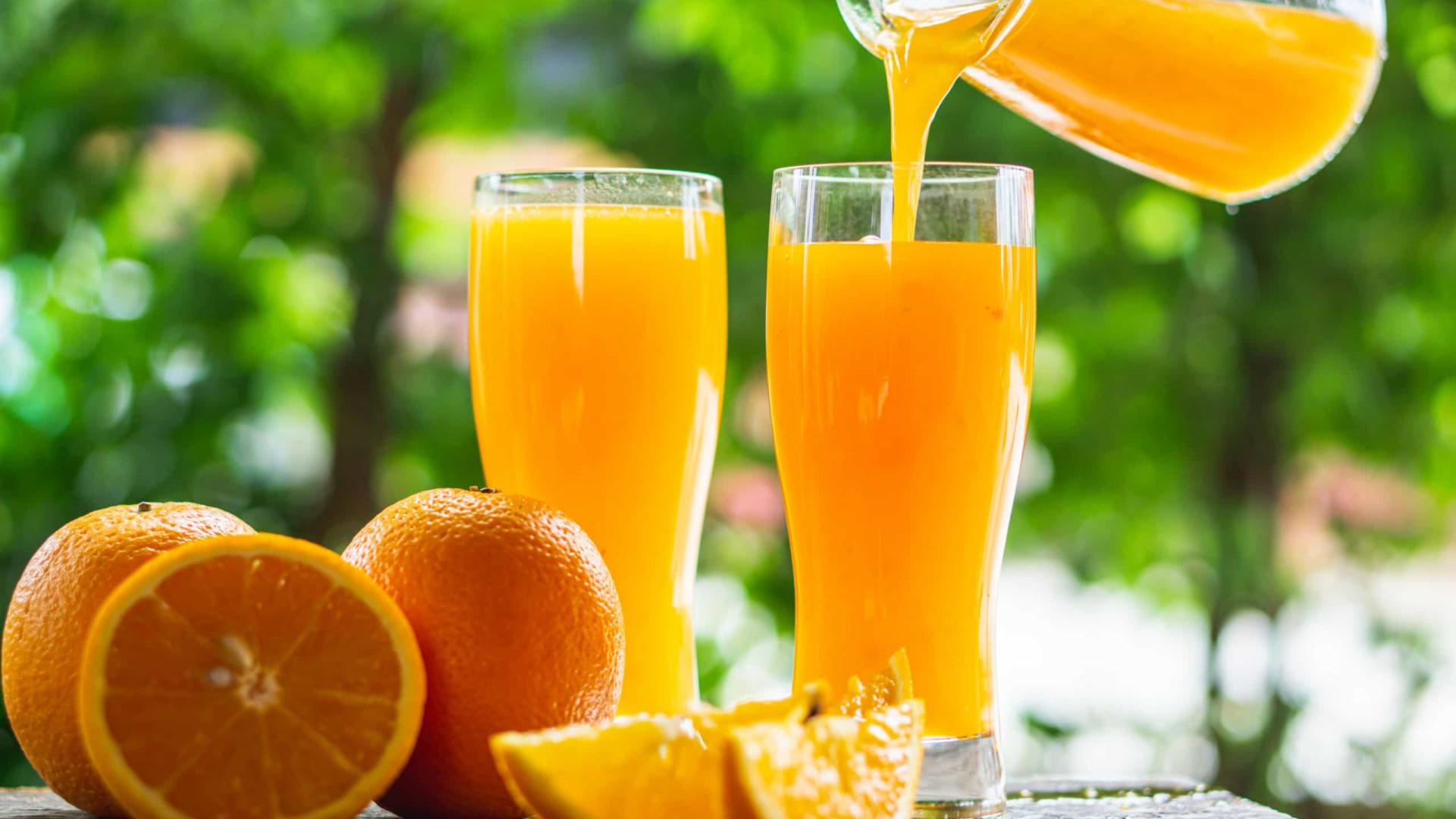 Saudável ou nem por isso? Os prós e os contras de beber suco de laranja