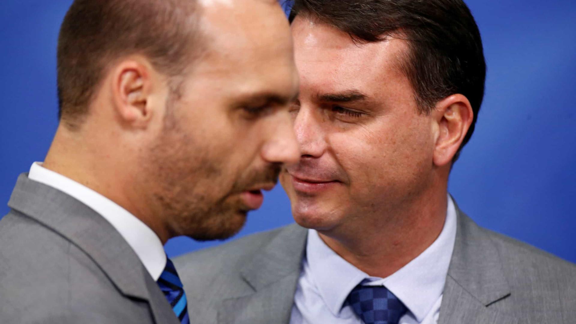 Bolsonaro impõe sigilo de cem anos sobre acesso dos filhos ao Planalto