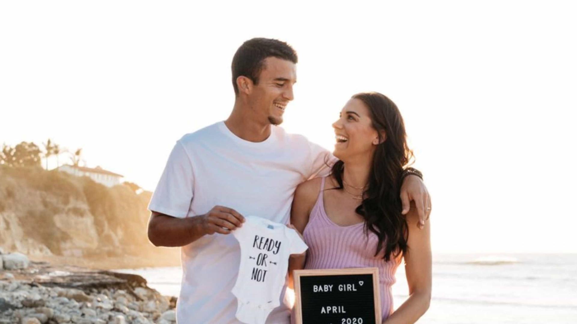 Alex Morgan, uma das melhores jogadoras do mundo, está grávida