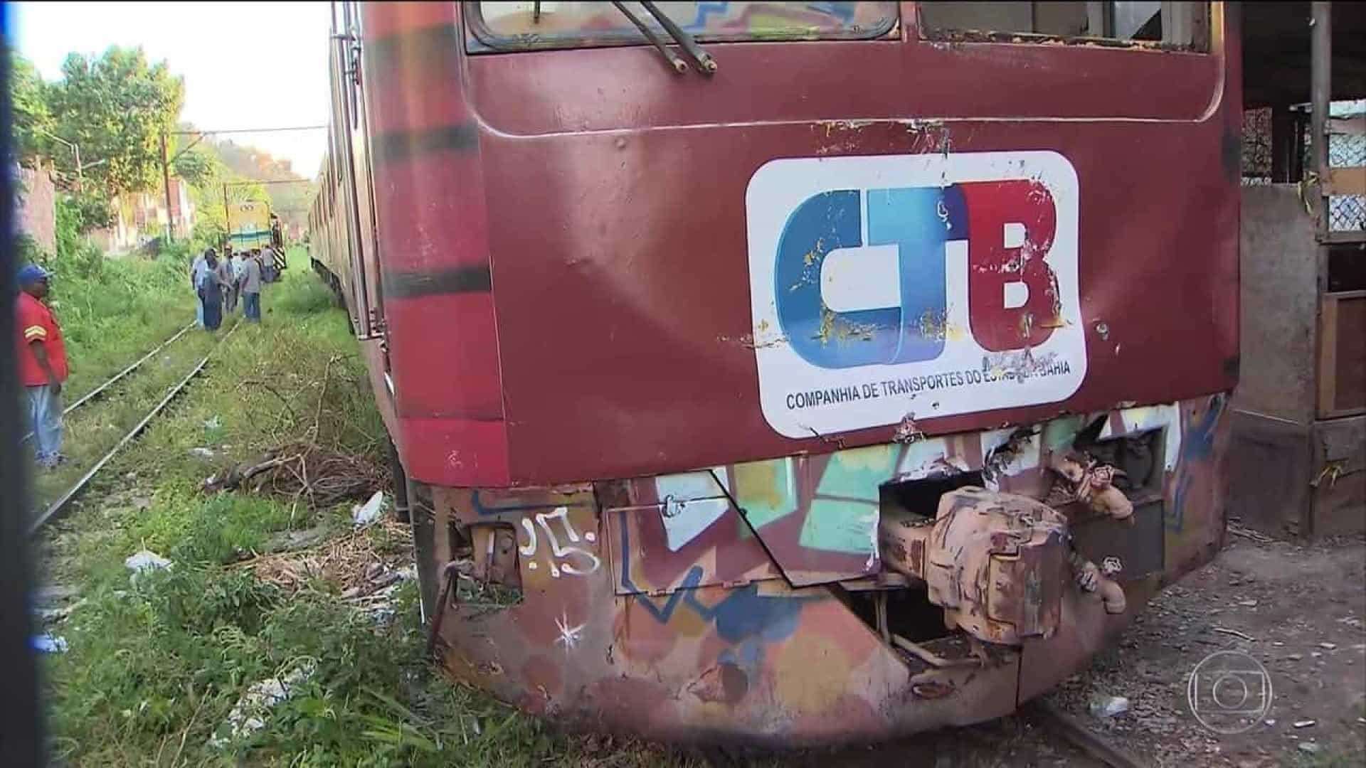 47 feridos em colisão de trens na Bahia