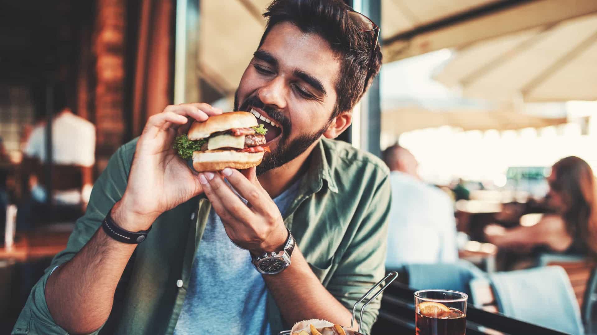 Cinco motivos pelos quais está sempre com fome