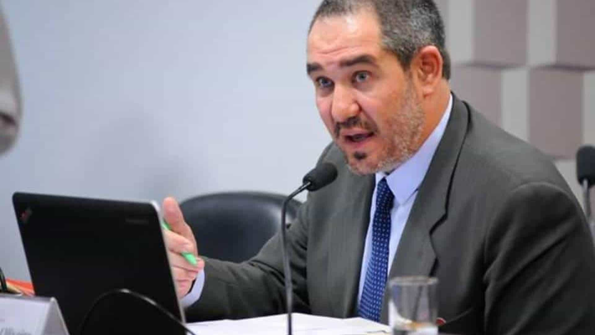 Presidente da Ancine é acusado de estelionato e falsidade ideológica
