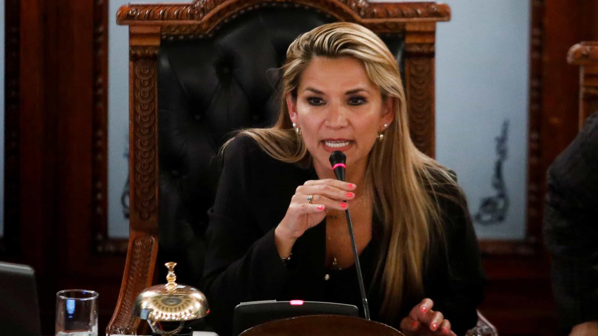 Morales não poderá disputar próxima eleição, diz interina da Bolívia