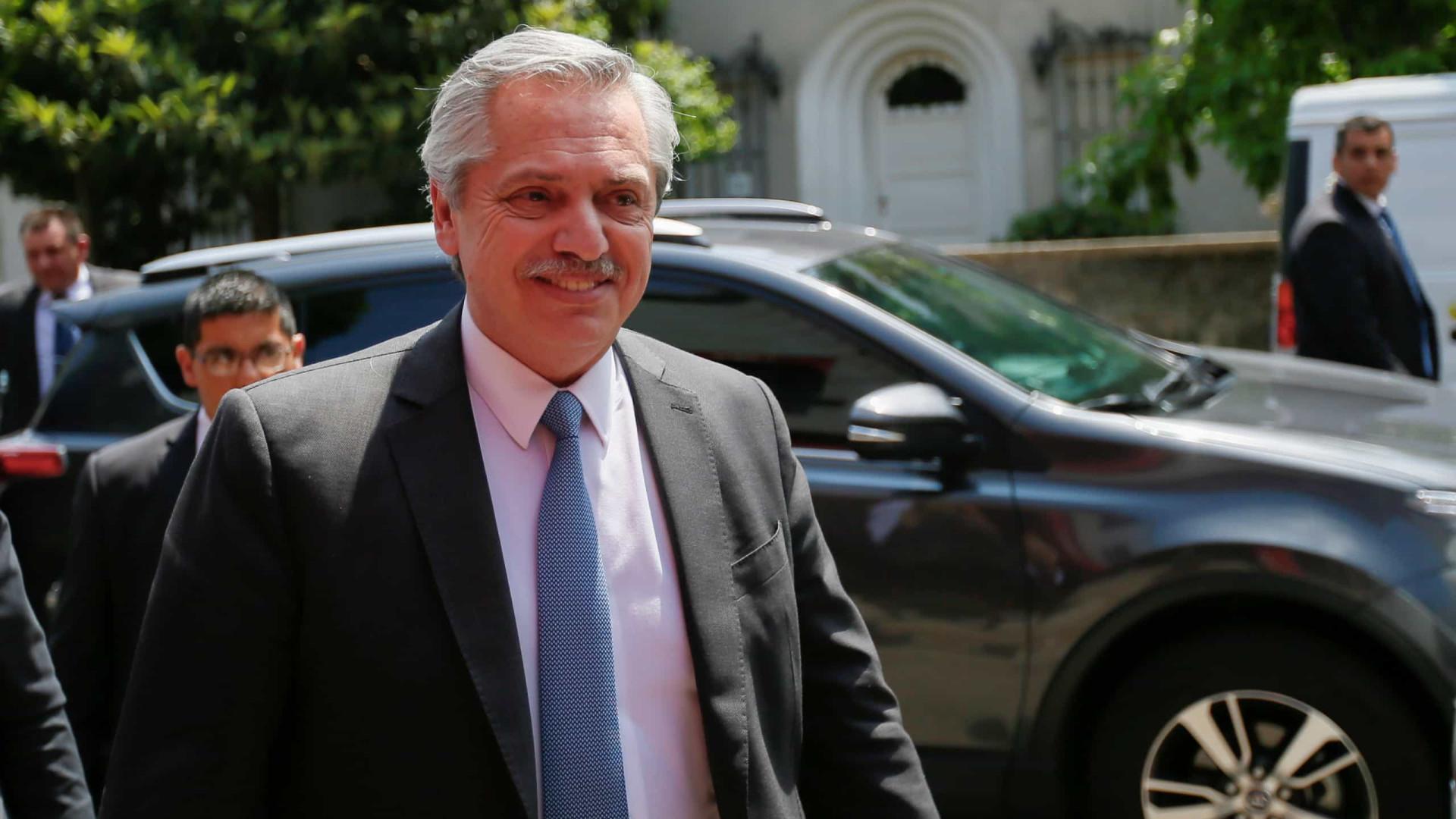 Bolsonaro confirma reunião com Fernández em março no Uruguai