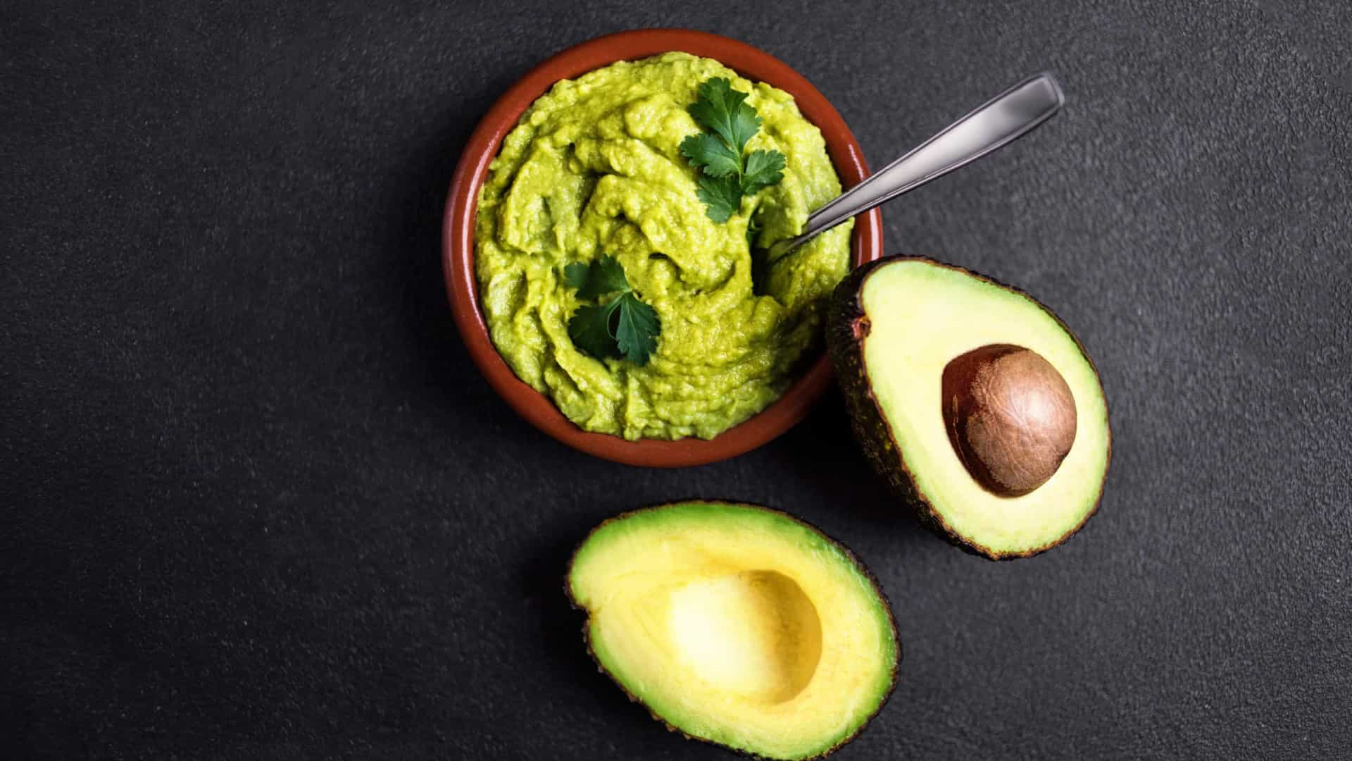 Aprenda a fazer receita de maionese de abacate fit e sem hidratos