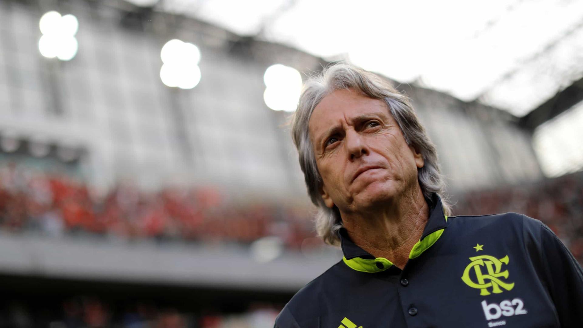 Diretor do Flamengo vê pausa atrasar acerto com Jorge Jesus