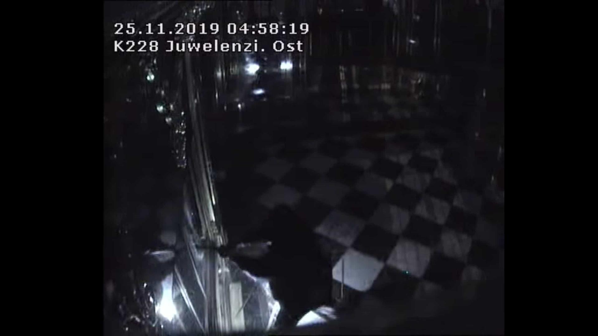 Polícia oferece recompensa por informações sobre roubo em museu