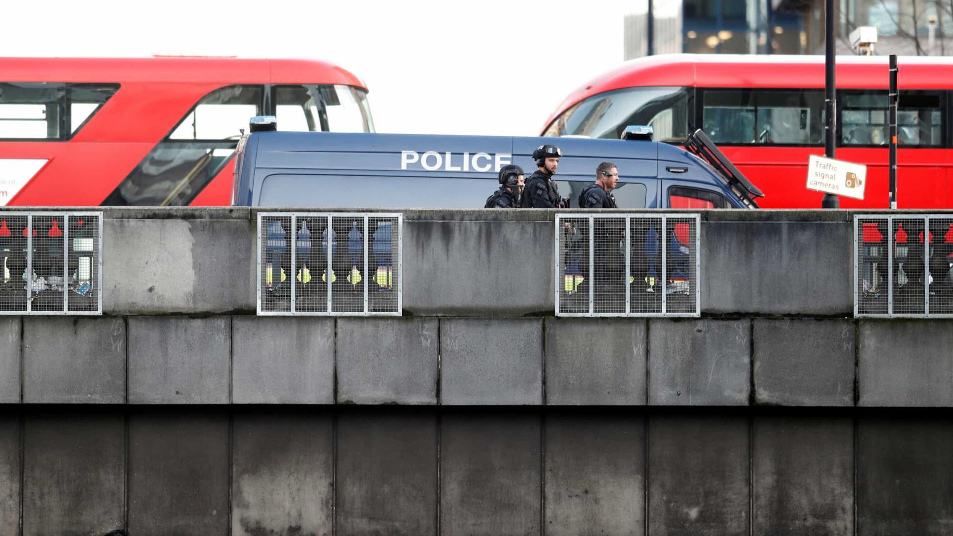 Uma pessoa morre e 5 ficam feridos em ataque na Ponte de Londres