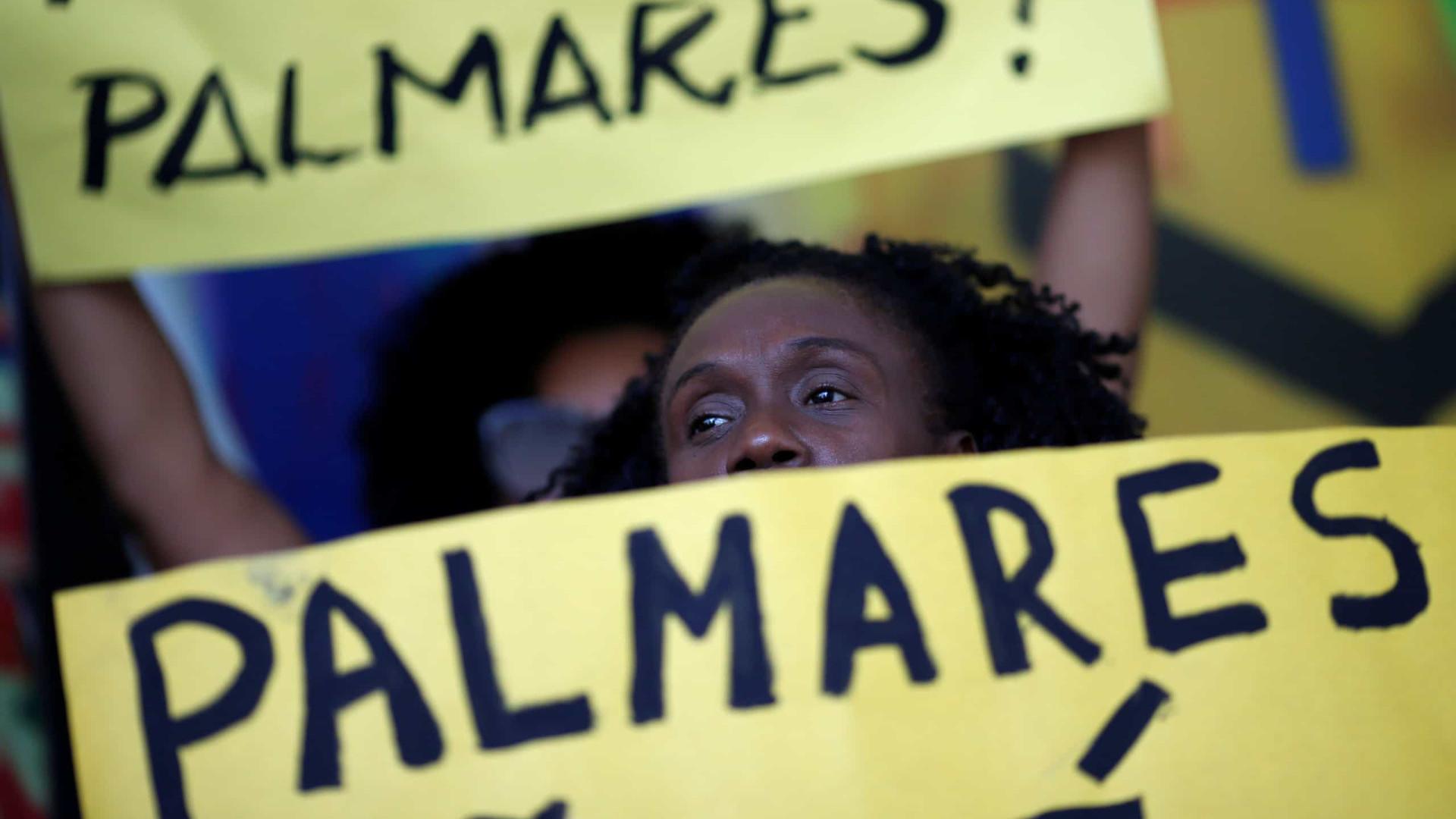 Ativistas fazem protesto na Fundação Palmares após nomeação